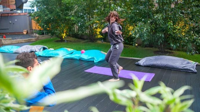 Утренний йога-марафон в парке Маяковского