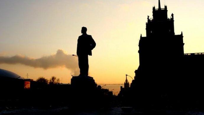 День рождения Маяковского отметят бесплатными ночными экскурсиями по Москве