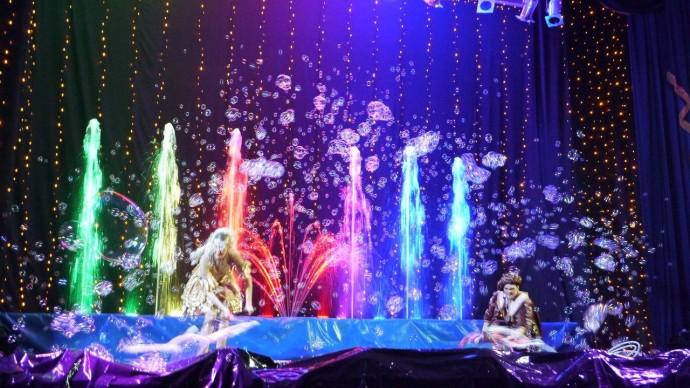 Шоу фонтанов и мыльных пузырей