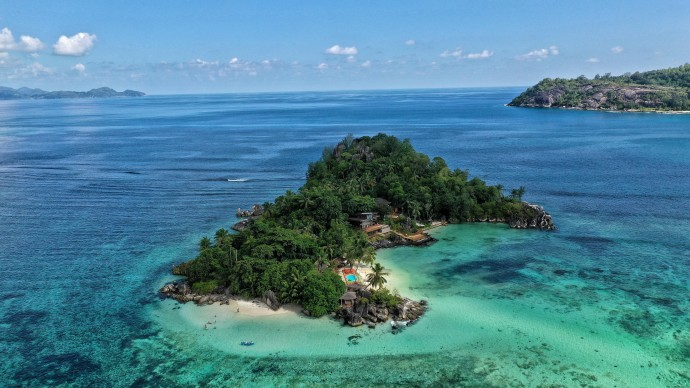Cейшельские острова открыли въезд для российских туристов, прошедших вакцинацию от коронавируса