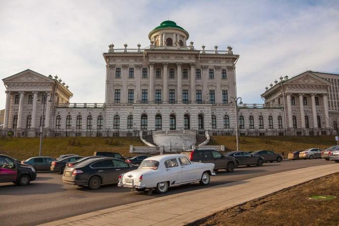 Где погулять в Москве: идем от библиотеки Ленина до Тверской тихими переулками