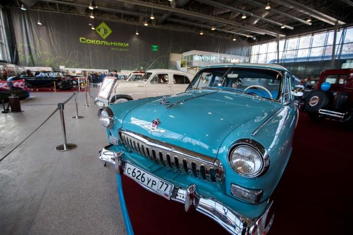 Выставка ретроавтомобилей: на чем ездили пятьдесят лет назад?