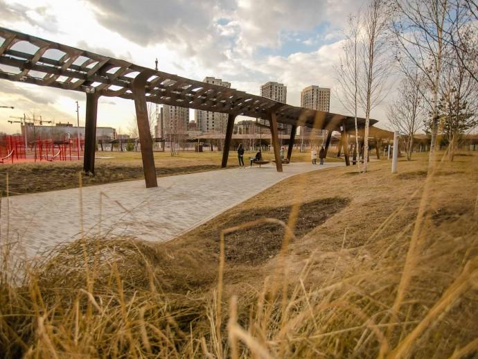 Весна в Тюфелевой роще: как выглядит молодой парк в апреле