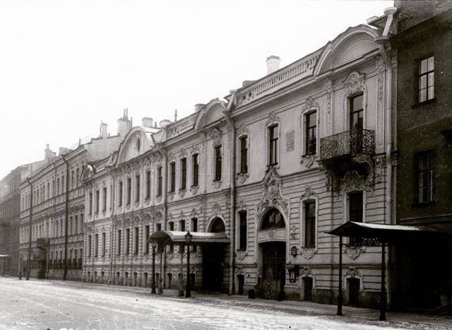 Петербург архитектурный: особняк Устинова