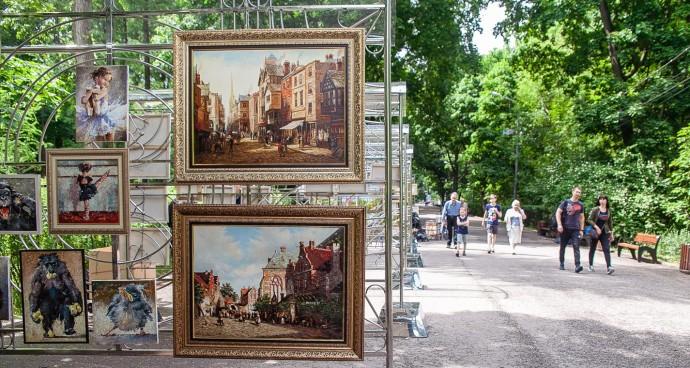 Живопись в парке: как менялась Аллея художников в «Сокольниках»