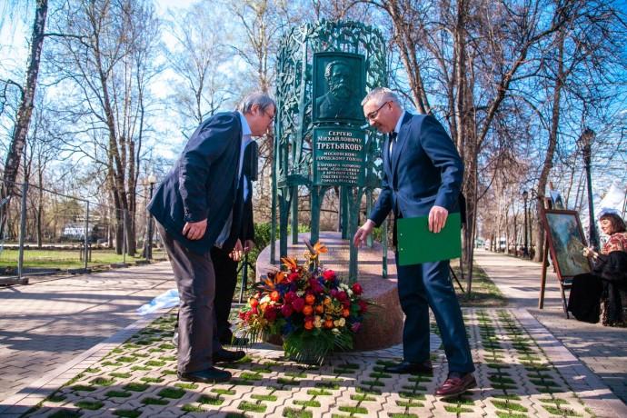 Как выглядит новый памятник Сергею Третьякову в «Сокольниках»?