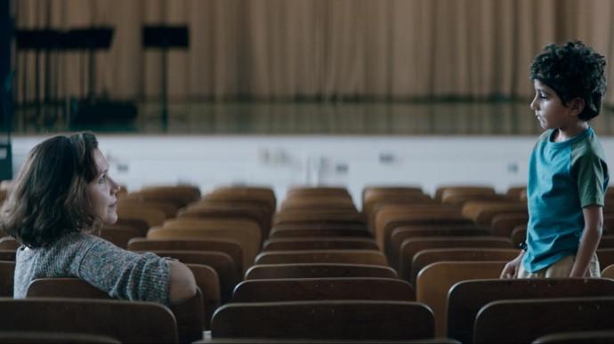 Триллер, поэзия и кризис среднего возраста: рецензия на «Воспитательницу»