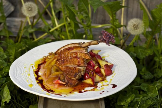 Лето и еда: новые места и сезонное меню в ресторанах Москвы