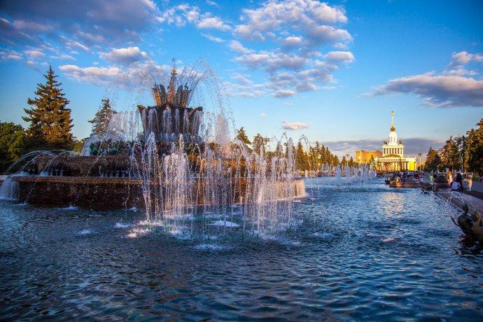 15 выдающихся фонтанов в парках Москвы