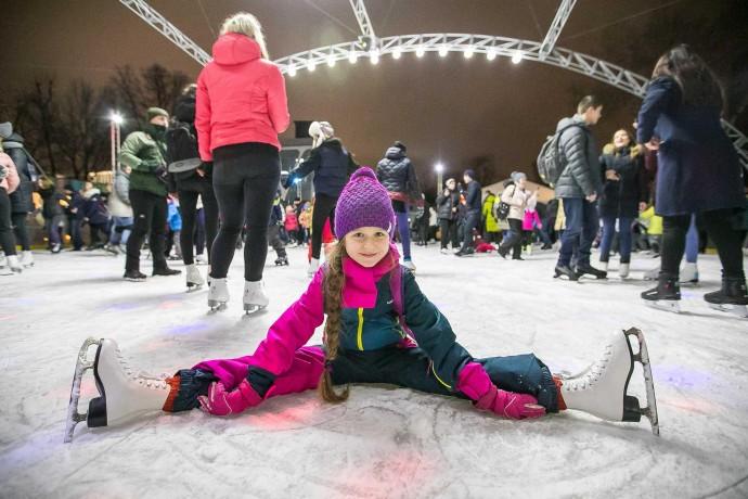 Встречаем зиму: 14 катков в парках Москвы