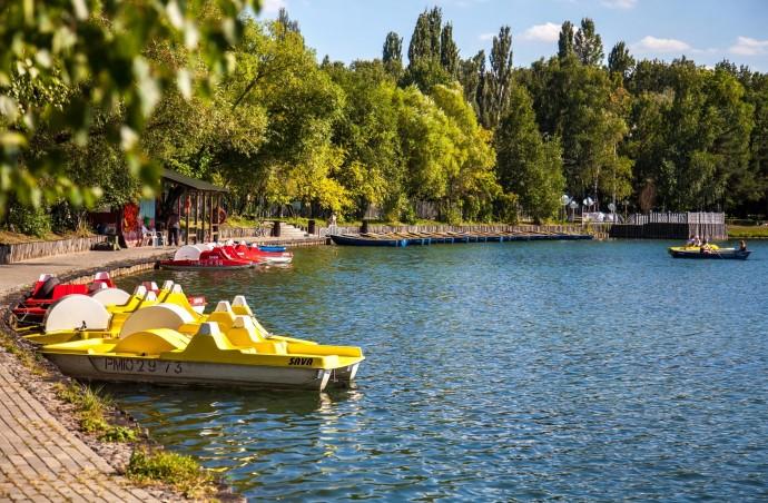 Лодки и катамараны: где кататься летом 2019-го