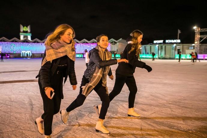 Готовимся к зиме: как выглядят московские катки в начале ноября