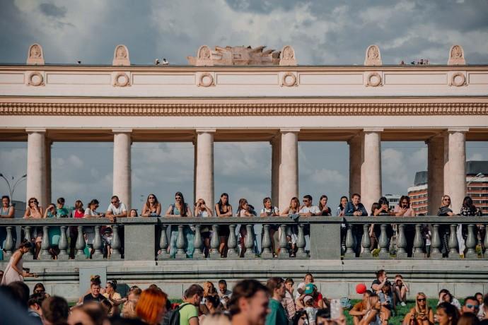 Самый жаркий день лета: как прошел «БургерФест» в парке Горького