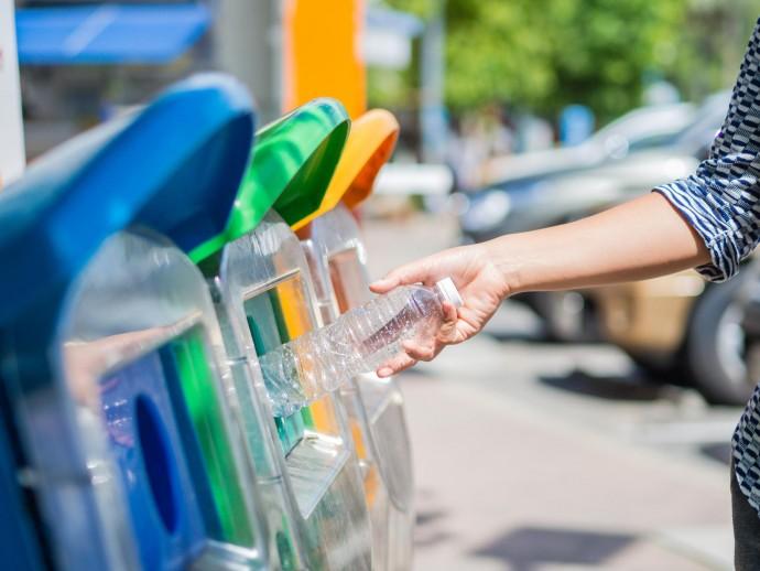 Мусор на переработку: 18 мест в Петербурге, где помогают сохранять экологию